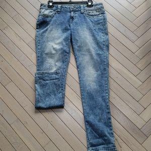 Embellished bottom jeans